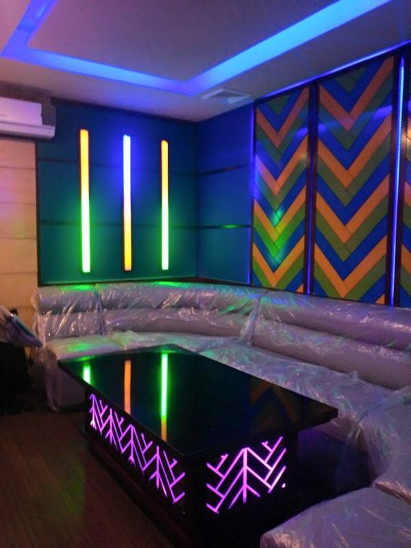 Ktv room design satellite karaoke for Karaoke room design ideas